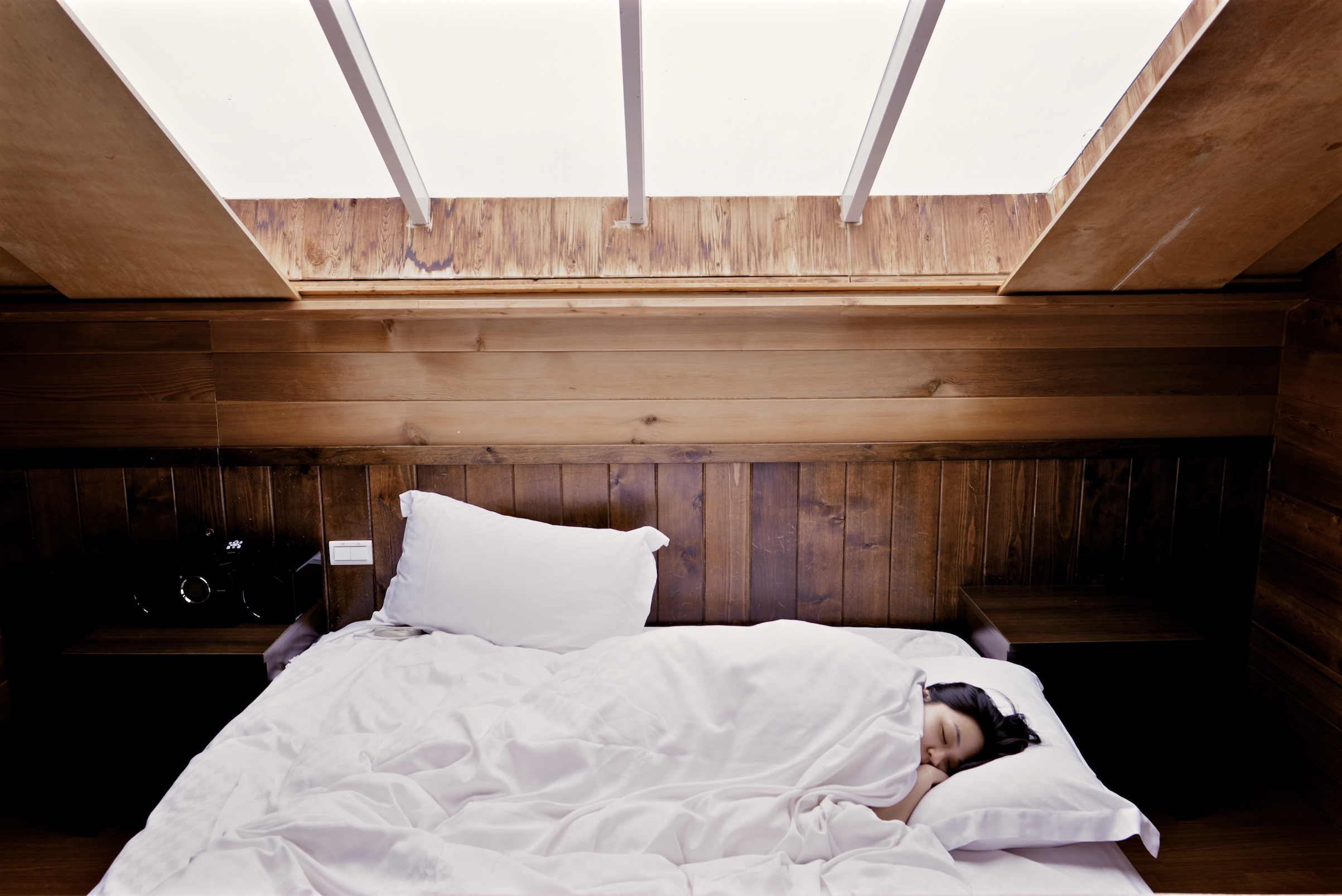 体の不調の現れの可能性も!?いびきや寝言の改善方法とは?
