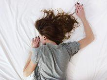 みんな同じことで悩んでいた!妊娠中の睡眠トラブルを緩和する方法とは?
