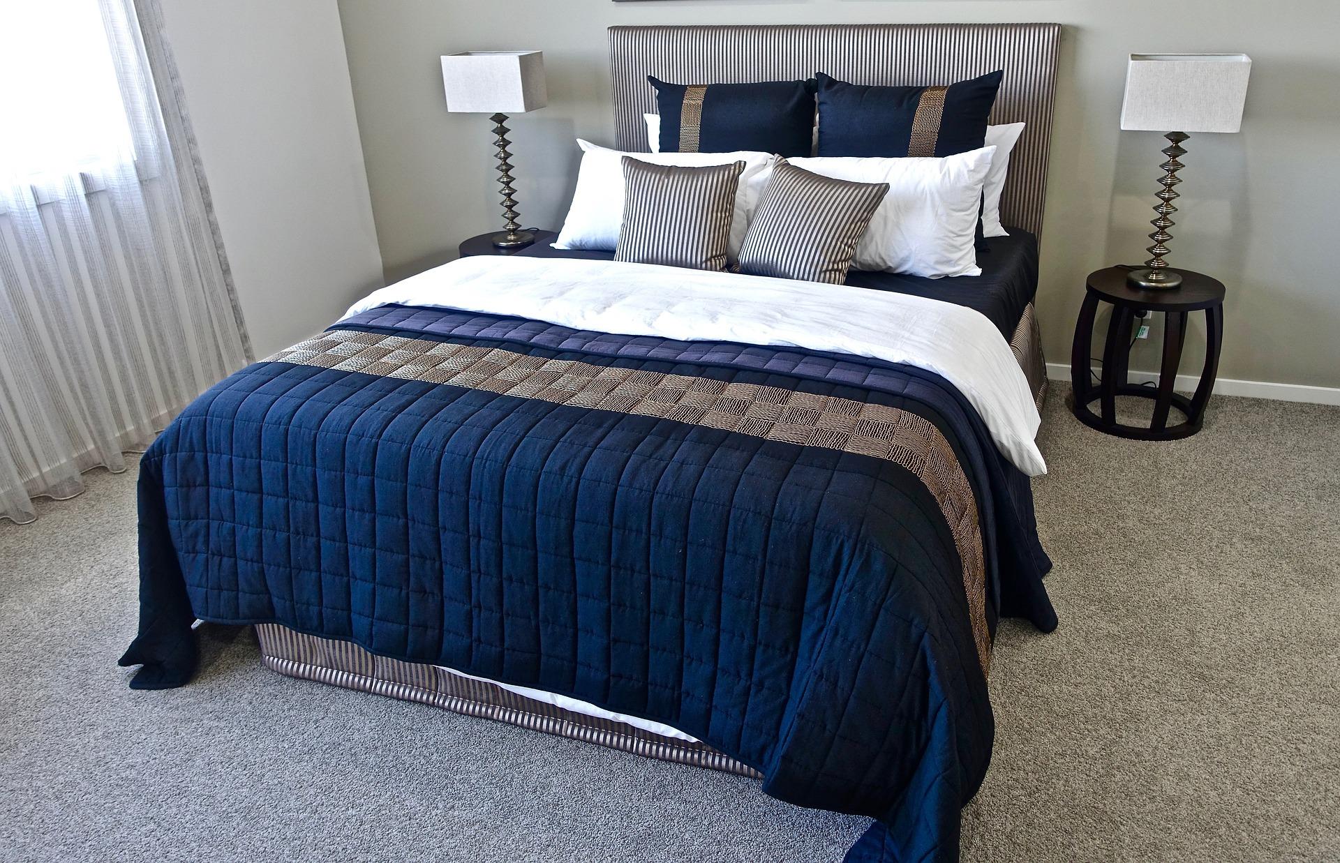 睡眠に良い寝具はどっち?布団とベッドのメリット・デメリットをご紹介