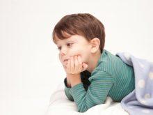 大人の睡眠不足より深刻!?子どもの睡眠負債とは?