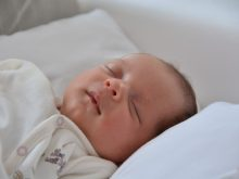 睡眠の質を左右するのは体温!?眠れないときに試したい体温調整法