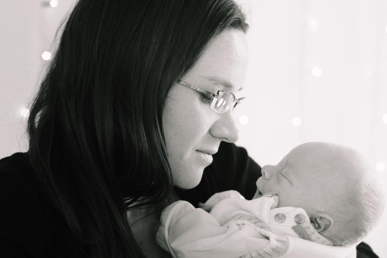 産後の睡眠不足を解消したい!その原因と対策をご紹介