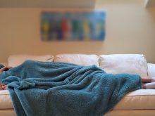 妊娠中の眠気の原因は?寝ても寝ても眠い原因と、適切な睡眠環境について解説