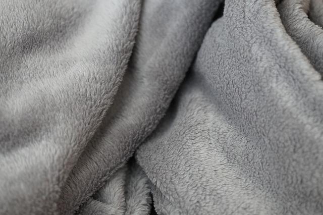 ご存知ですか?季節の変わり目の布団選びと、羽毛布団の正しい収納法3