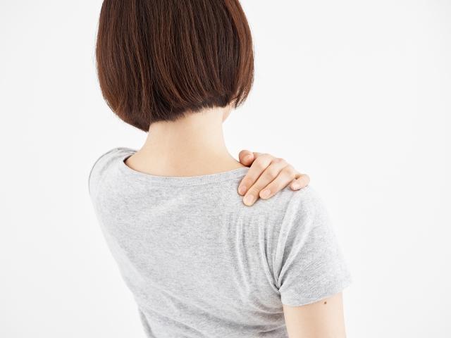 横向き寝で肩が圧迫されて痛くなる人必見!原因と解決法をご紹介