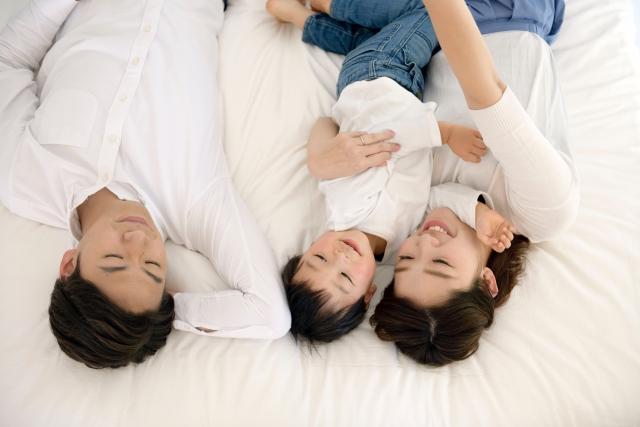 子育て家庭に大人気!ファミリーマットレスのメリット・デメリットとは1