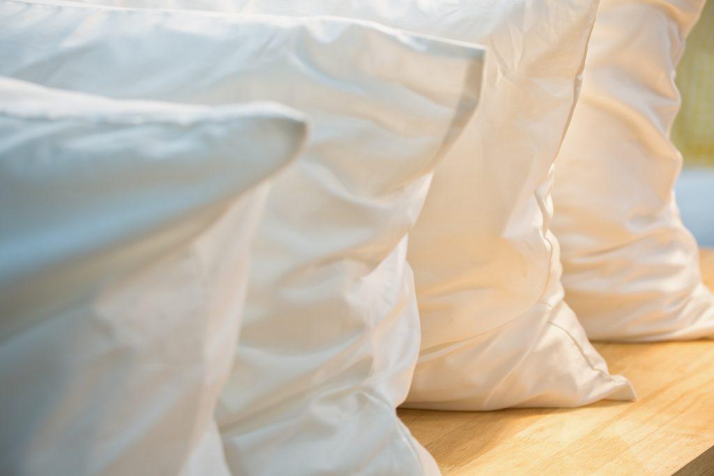 枕はどのように選んだらいい?寝具のプロが解説します