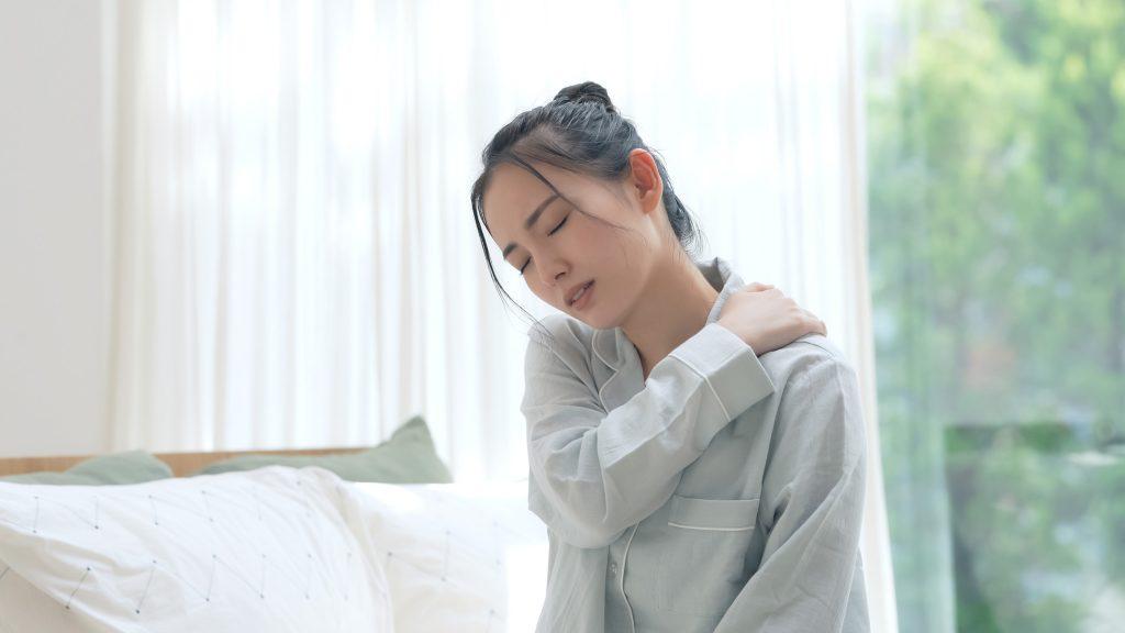 寝違えはどうして起こるの?原因、対処方法、予防策を解説